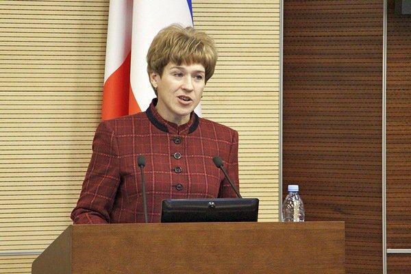 Ольга Антипина на трибуне